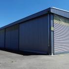 Hangar Tor, Flugplatz - Birrfeld